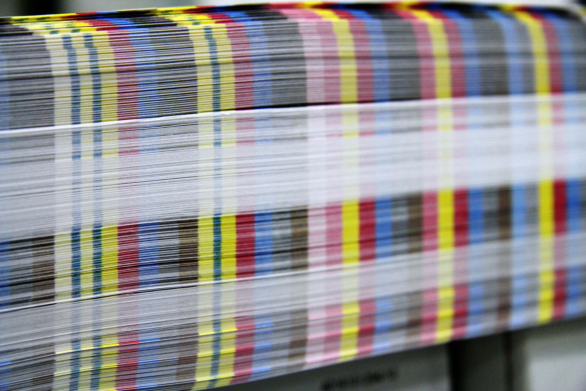 Color bars on offset printed sheets